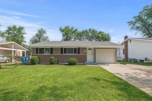11123 Alan Shepard Drive, Maryland Heights, MO 63043 (#21053189) :: Clarity Street Realty