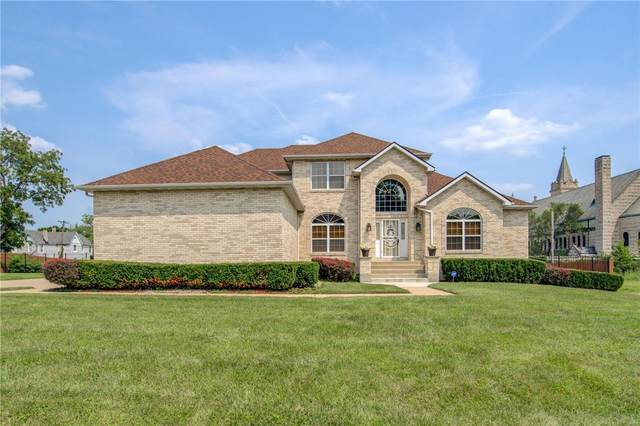 10 Thornby Place, St Louis, MO 63112 (#21053217) :: Kelly Hager Group | TdD Premier Real Estate