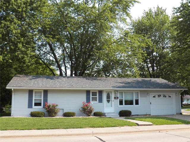 301 Hollow Avenue, Jerseyville, IL 62052 (#21053446) :: Parson Realty Group