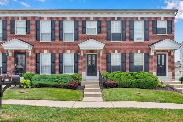 728 Hyde Drive, O'Fallon, MO 63366 (#21053517) :: Kelly Hager Group | TdD Premier Real Estate