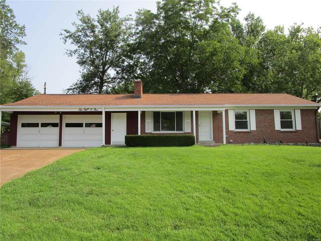 10801 Clearwater Drive, St Louis, MO 63123 (#21054456) :: RE/MAX Vision