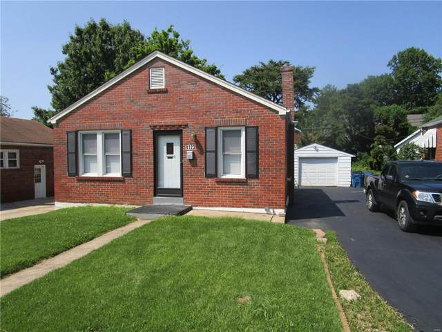 9123 Wabaday Avenue, St Louis, MO 63114 (#21054748) :: Terry Gannon | Re/Max Results