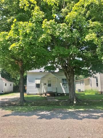 204 S St Clair St, Altamont, IL 62411 (#21054947) :: Parson Realty Group