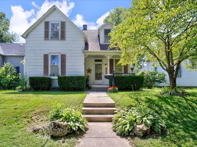 804 E D Street, Belleville, IL 62220 (#21055574) :: Hartmann Realtors Inc.