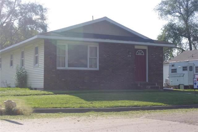 519 S Franklin, Salem, IL 62881 (#21055956) :: Terry Gannon | Re/Max Results