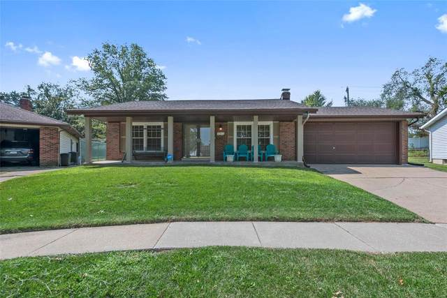 4 Windsong Court, Florissant, MO 63031 (#21056747) :: The Becky O'Neill Power Home Selling Team