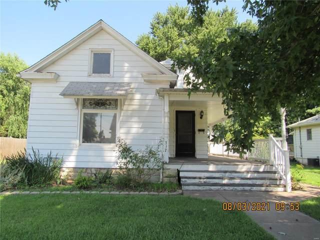 317 E Prairie Street, Jerseyville, IL 62052 (#21057024) :: Parson Realty Group