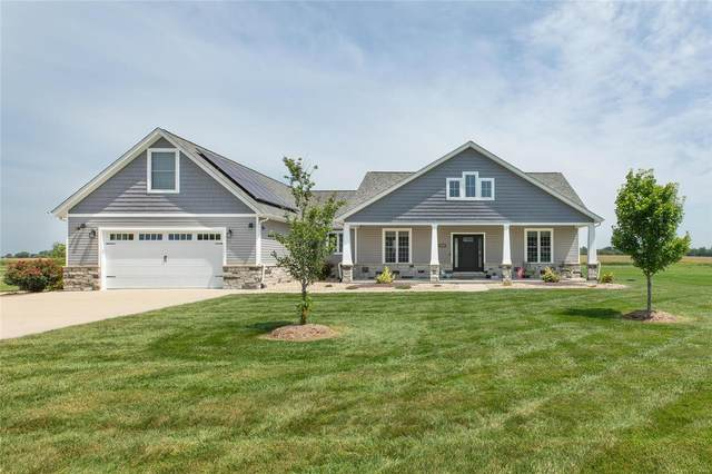 9832 Beacon St, Saint Jacob, IL 62281 (#21057537) :: St. Louis Finest Homes Realty Group