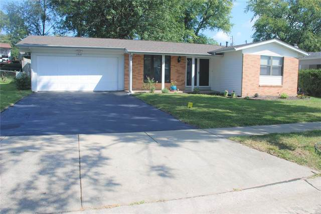 11939 Kentwood Drive, Maryland Heights, MO 63043 (#21060718) :: Blasingame Group | Keller Williams Marquee