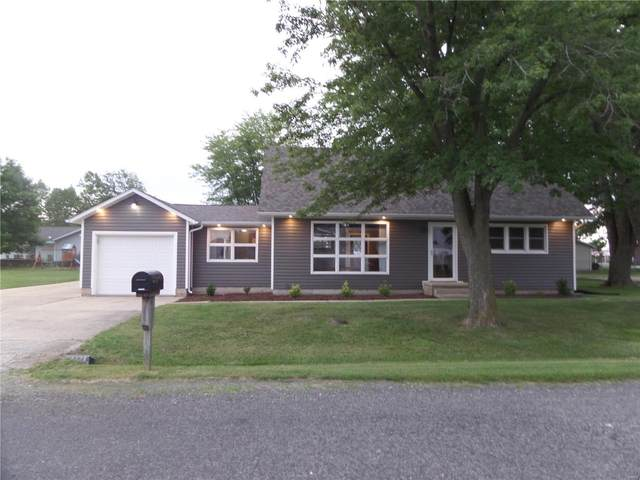 134 Lyle Drive, HOFFMAN, IL 62250 (#21061057) :: Clarity Street Realty