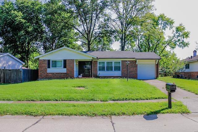 2920 Dover, Florissant, MO 63033 (#21062611) :: Parson Realty Group