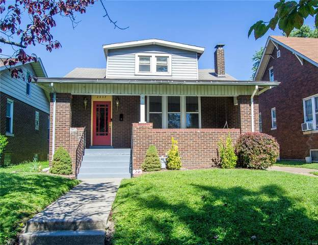 2537 Delmar Avenue, Granite City, IL 62040 (#21065116) :: The Becky O'Neill Power Home Selling Team