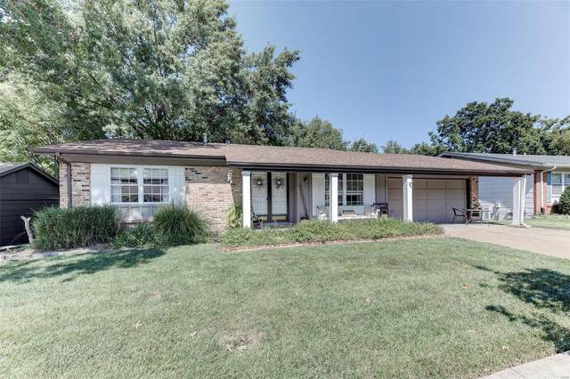 865 Forest Village Drive, Ballwin, MO 63021 (#21066107) :: St. Louis Finest Homes Realty Group