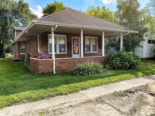 212 W Burton Street, GILLESPIE, IL 62088 (#21066199) :: Clarity Street Realty