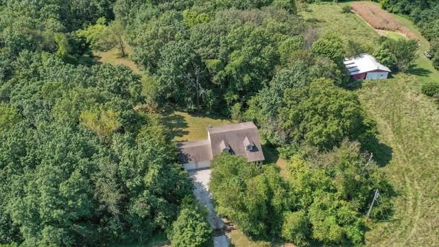 8621 7 Hills Drive, Alton, IL 62002 (#21066222) :: Walker Real Estate Team