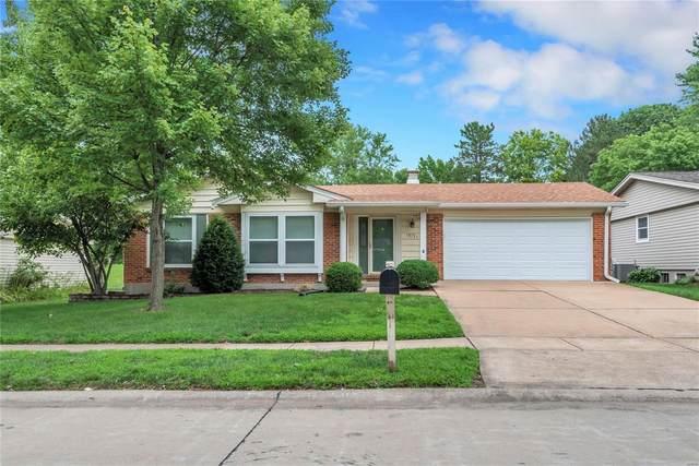 15721 Hill House Road, Chesterfield, MO 63017 (#21066758) :: Jenna Davis Homes LLC