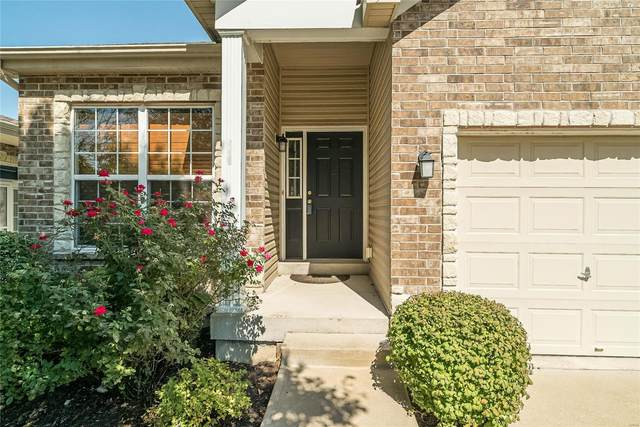 132 Baxter Commons Drive, Manchester, MO 63011 (#21066813) :: Kelly Hager Group | TdD Premier Real Estate