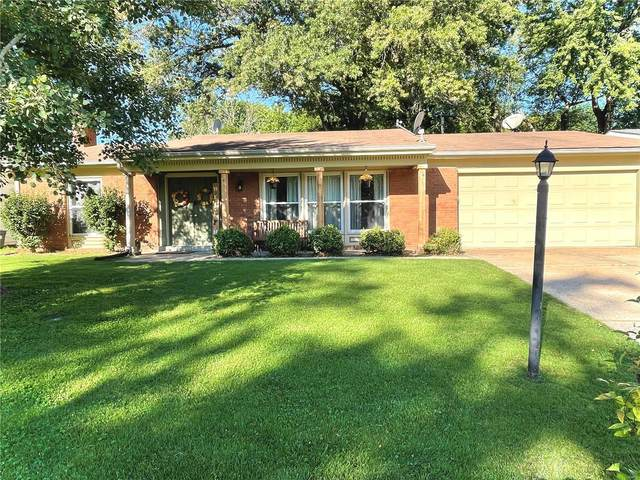 325 Sumter Drive, Belleville, IL 62221 (#21066890) :: Jeremy Schneider Real Estate