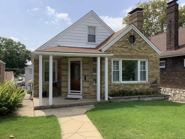 3832 Loughborough Avenue, St Louis, MO 63116 (#21066909) :: The Becky O'Neill Power Home Selling Team
