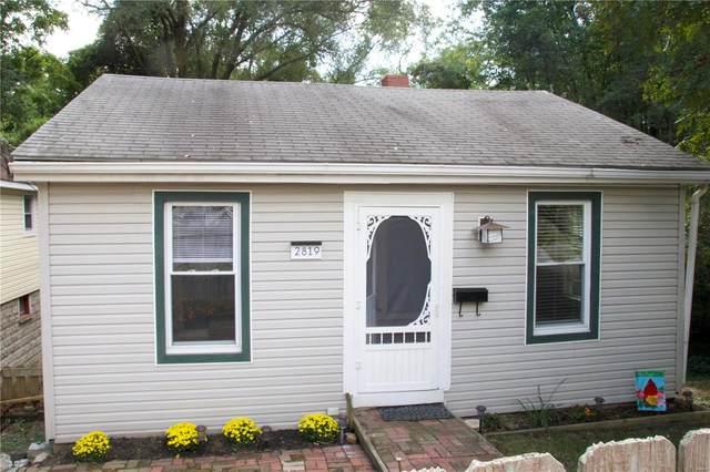 2819 Sanford Avenue, Alton, IL 62002 (#21067179) :: Matt Smith Real Estate Group