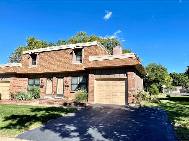 2396 Charlemagne Drive, Maryland Heights, MO 63043 (#21067190) :: Delhougne Realty Group
