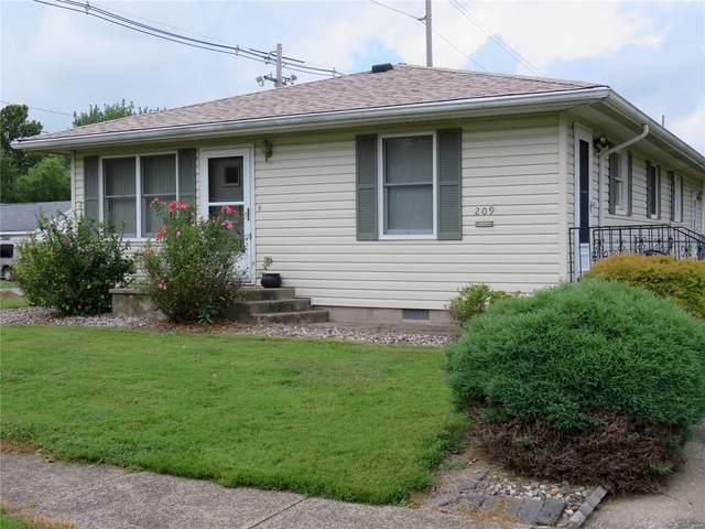 209 W Chestnut Street, GILLESPIE, IL 62033 (#21067610) :: Clarity Street Realty