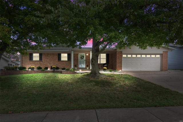 2908 Olde Worcester Dr, Saint Charles, MO 63301 (#21067839) :: Delhougne Realty Group