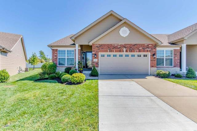 16214 Amber Vista, Ellisville, MO 63021 (#21068424) :: Delhougne Realty Group
