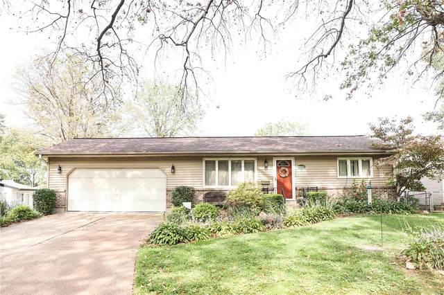 3919 Comstock Drive, St Louis, MO 63123 (#21068655) :: Delhougne Realty Group
