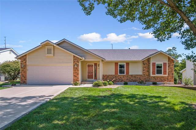 940 Claycrest Drive, Saint Charles, MO 63304 (#21071187) :: Parson Realty Group