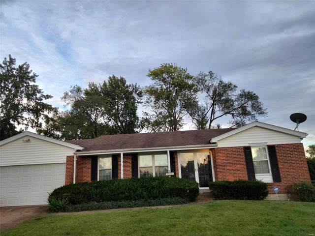 3946 Del Lago Drive, Florissant, MO 63034 (#21074144) :: Matt Smith Real Estate Group