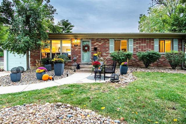 446 S Van Buren, Kirkwood, MO 63122 (#21074237) :: Jeremy Schneider Real Estate