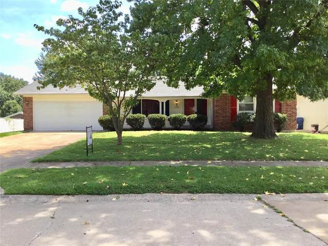 1570 Ranchwood, Florissant, MO 63031 (#21074904) :: Kelly Hager Group | TdD Premier Real Estate