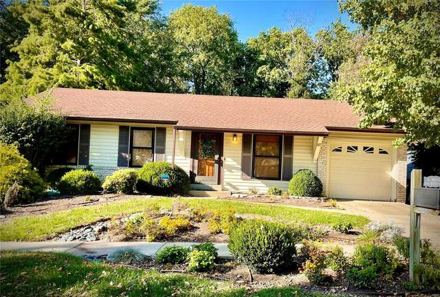 11981 Meadow Run Ct, Maryland Heights, MO 63043 (#21075960) :: Kelly Hager Group | TdD Premier Real Estate