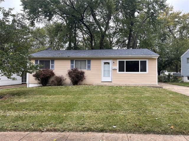 1065 Hallwood, Florissant, MO 63033 (#21076060) :: The Becky O'Neill Power Home Selling Team