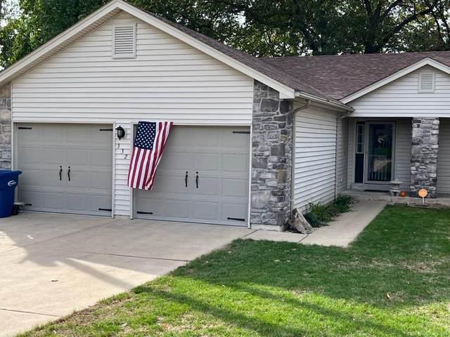 332 Villa Drive, Lake St Louis, MO 63367 (#21078114) :: Krista Hartmann Home Team
