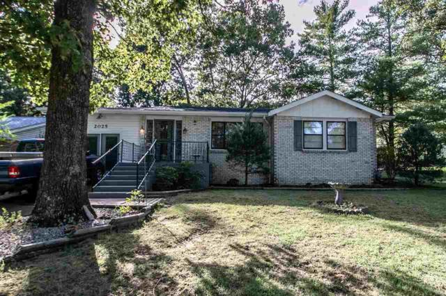 2025 Woodland, Poplar Bluff, MO 63901 (#9941001) :: Clarity Street Realty