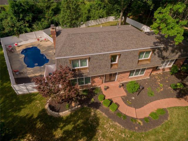 12512 Whispering Hills Lane, St Louis, MO 63146 (#18034476) :: Sue Martin Team