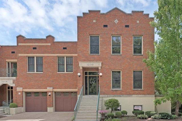 1230 S Main Street, Saint Charles, MO 63301 (#18063289) :: Kelly Hager Group   TdD Premier Real Estate