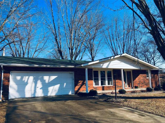 1621 Paradise Drive, Highland, IL 62249 (#18090176) :: Kelly Hager Group   TdD Premier Real Estate