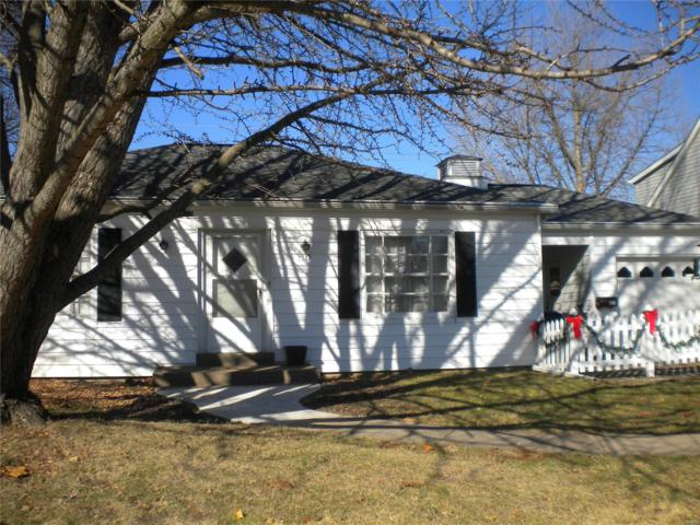 1539 N Charles Street, Belleville, IL 62221 (#18095150) :: Clarity Street Realty