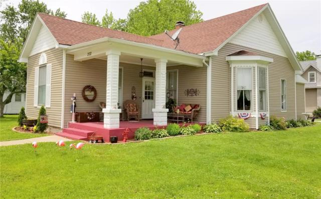 202 Court Street, Monroe City, MO 63456 (#19004973) :: RE/MAX Professional Realty