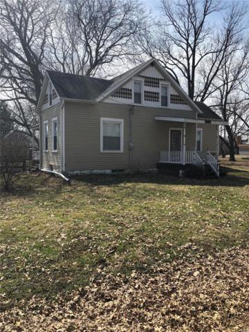 232 E 1st Street, TRENTON, IL 62293 (#19019101) :: The Becky O'Neill Power Home Selling Team