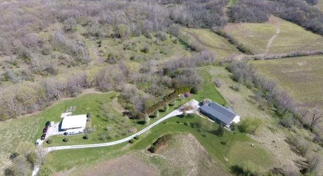 17166 Staunton Bunker Hill Road, STAUNTON, IL 62088 (#19028549) :: Holden Realty Group - RE/MAX Preferred