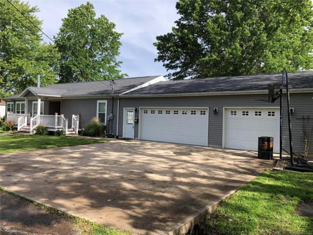 1119 E Macoupin Street, STAUNTON, IL 62088 (#19037570) :: The Becky O'Neill Power Home Selling Team