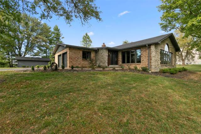 9909 Kimker Lane, Sunset Hills, MO 63127 (#19055993) :: Sue Martin Team