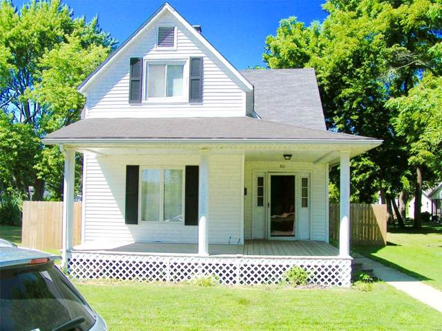 911 Page, STAUNTON, IL 62088 (#19058468) :: The Becky O'Neill Power Home Selling Team