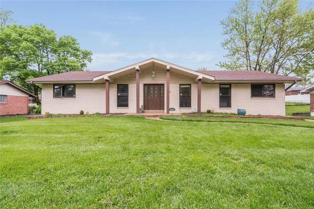 5839 Pebble Oak Drive, St Louis, MO 63128 (#20020577) :: The Becky O'Neill Power Home Selling Team