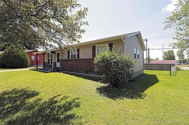 204 E Hillside, Farmington, MO 63640 (#20031266) :: The Becky O'Neill Power Home Selling Team