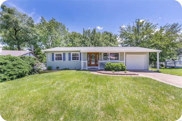 4 Glenmark Court, Maryland Heights, MO 63043 (#20032728) :: The Becky O'Neill Power Home Selling Team